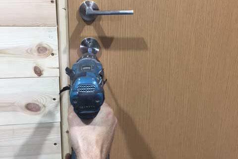 locksmith-door